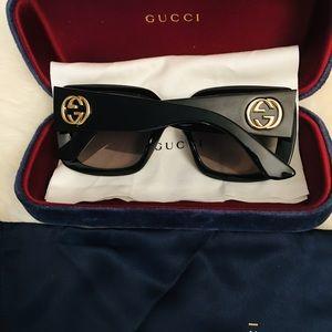 Gucci Accessories - 🎂SOLD🎂Gucci oversized frame sunglasses AUTHENTIC
